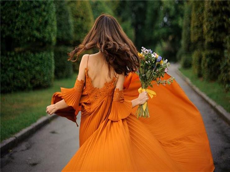البرتقالي يتربع على عرش ألوان الصيف