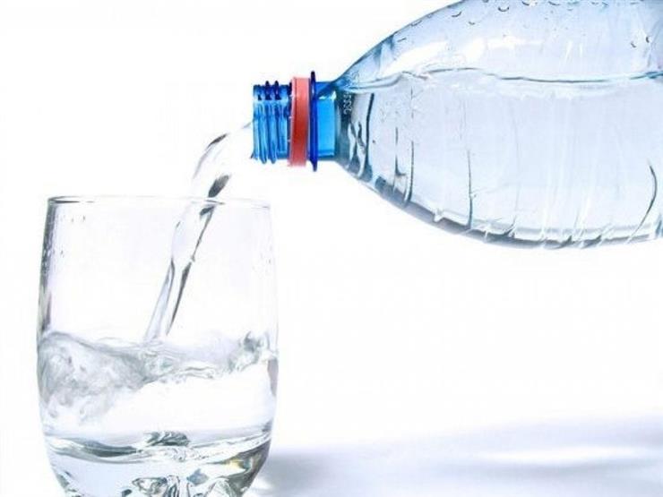 في ظل الطقس الحار.. ما عدد أكواب المياه الواجب شربها يوميا؟