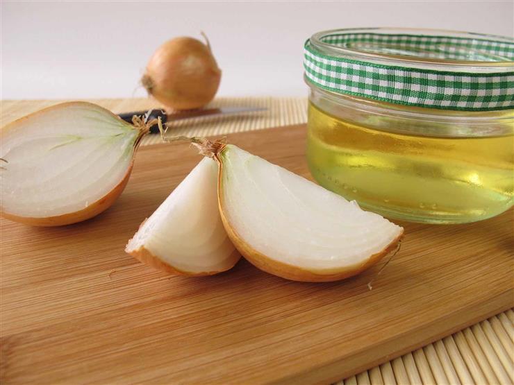 ماذا يحدث لجسمك عند تناول عصير البصل بالعسل على معدة فارغة؟
