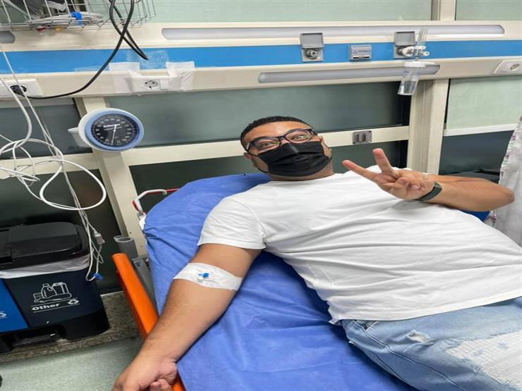 """محمد سيد بشير يكشف عن تعرضه لوعكة صحية: """"مش قادر أخد نفسي"""""""