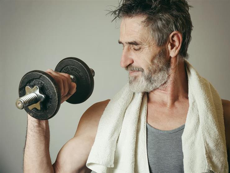 أفضل تمارين تقوية العضلات لمن تجاوزن الأربعين