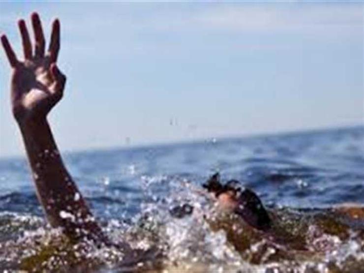 مصرع شابين غرقًا بشاطئ مدينة العريش بسبب الدوامات وارتفاع الأمواج