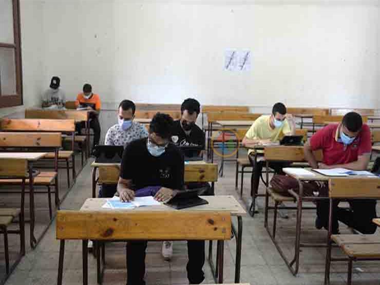 """""""عمليات المعلمين"""": خروج معلمة من المستشفى بعد تعرضها لوعكة صحية في امتحان التاريخ"""