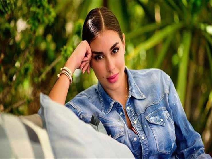 """ياسمين صبري تنفي من جديد امتلاكها حسابا على """"فيسبوك"""""""