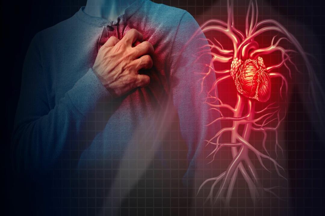 منها ألم الظهر والفك.. 5 أعراض تستدعي استشارة طبيب القلب