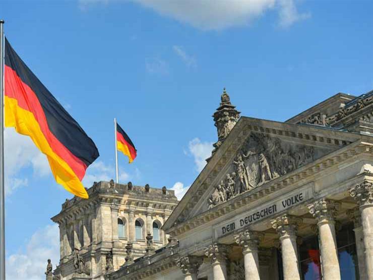 """""""كان يشعل النار في أجساد المعتقلين"""".. ألمانيا تحاكم طبيبا سوريا"""