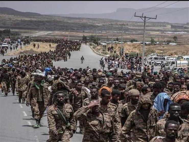 """""""رسالة توبيخ لآبي أحمد"""".. جبهة تحرير تجراي تستعرض آلاف الأسرى من الجيش الإثيوبي (فيديو)"""