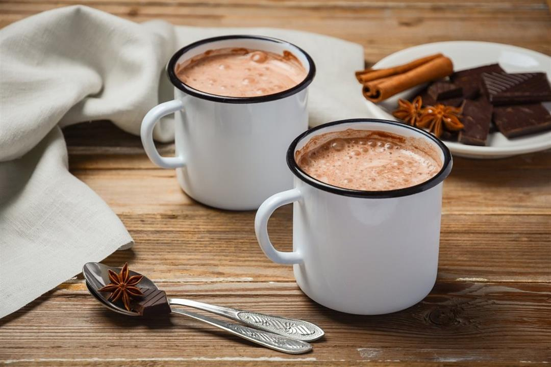 دراسة: تناول الشيكولاتة بالحليب على الإفطار قد يحرق الدهون
