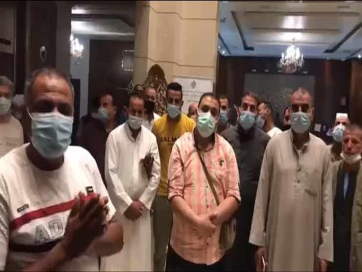 مصريون عالقون بالإمارات: فلوسنا خلصت وأملنا في استثناء للسفر للسعودية