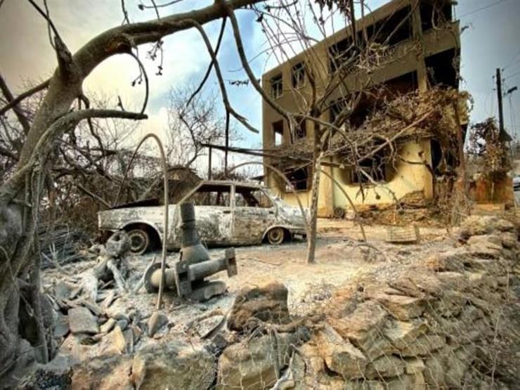 الأتراك يفرون من منازلهم جراء حرائق الغابات