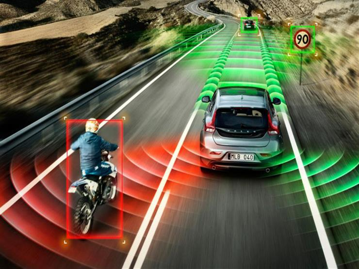 """لسائقي السيارات.. كيف يمكن تفادي مخاطر """"النقاط العمياء"""" أثناء القيادة"""