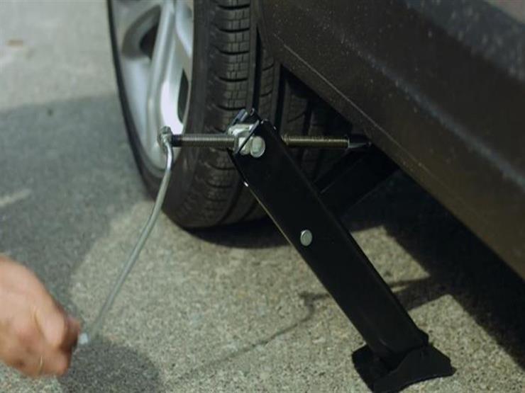 لسائقي السيارات.. الخطوات الآمنة لاستخدام رافعة السيارة بلا مخاطر