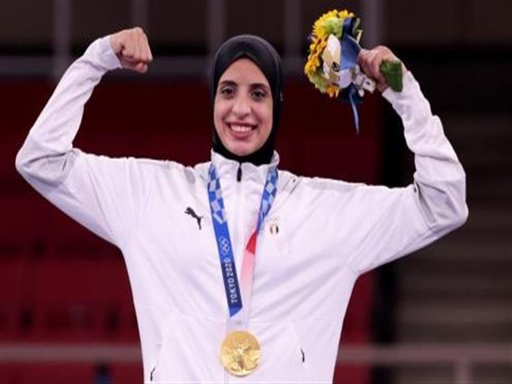 الرئيس السيسي يمنح فريال أشرف وسام الرياضة من الطبقة الأولى