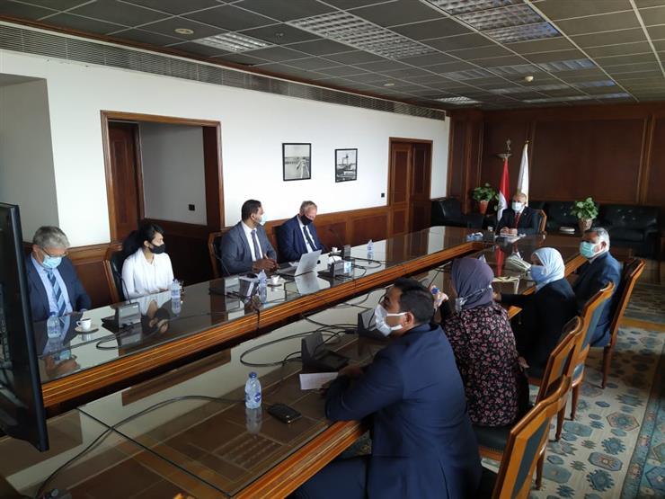وزير الري يبحث موقف تنفيذ برنامج التعاون مع الحكومة الهولندية