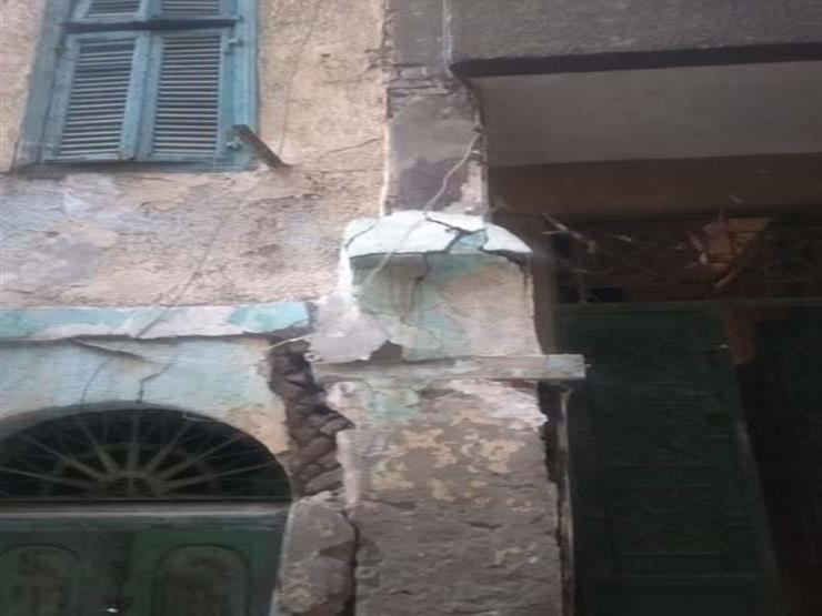 بسبب انهيار جزئي.. إخلاء منزل من السكان في أسيوط