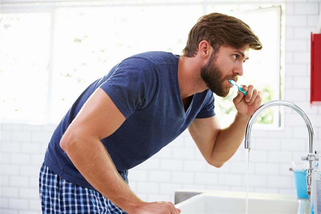أفضل وقت لغسل الأسنان صباحًا.. قبل أم بعد وجبة الإفطار؟