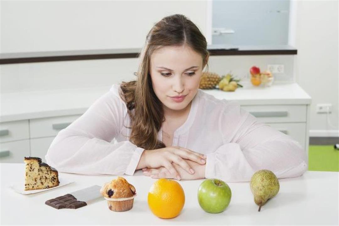 ألم المعدة بعد تناول الفواكه.. إليك الأسباب وطرق الوقاية