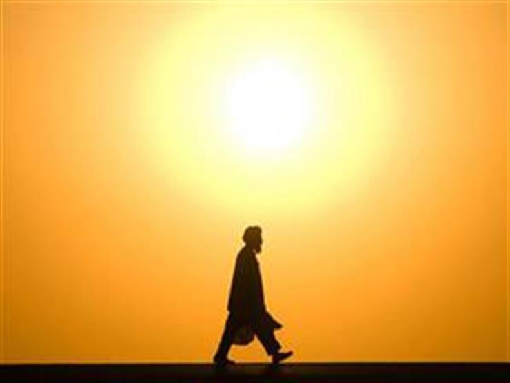 صورة عبادة ثوابها عظيم في الموجة الحارة.. وصحابي أداها وحده مع رس