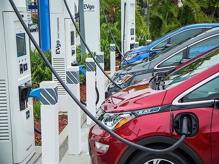 أمريكا تستهدف الوصول بالسيارات الكهربائية إلى نصف المبيعات في 2030