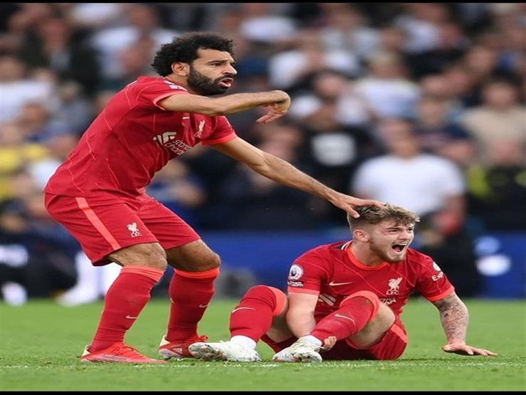 إصابة خطيرة للاعب ليفربول.. وصلاح يستنجد بالجهاز الطبي
