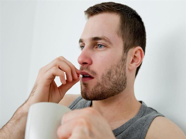 هل تناول الفيتامينات والزنك يقي من نزلات البرد في موسم الأمراض؟