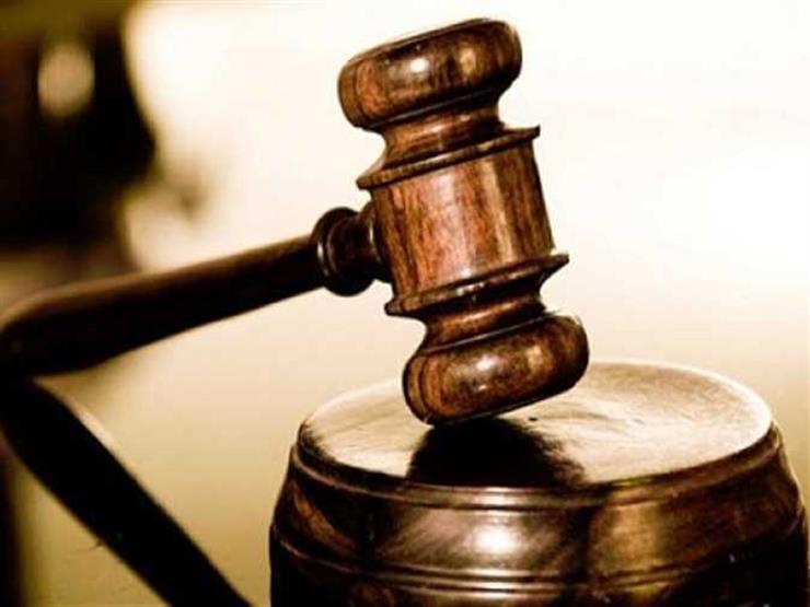 """واقعة """"اسجد للكلب"""".. وصول طبيبين وموظف متهمين بالتنمر على ممرض إلى المحكمة الاقتصادية"""