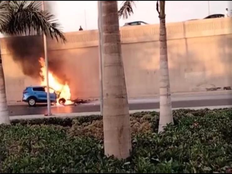 السائق ترك مقعده وهرب.. إخماد حريق التهم سيارة ملاكي بأكتوبر