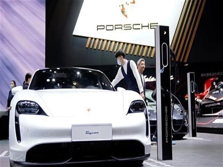 بورشه تخطط لبناء مصنع لإنتاج خلايا بطاريات السيارات الكهربائية