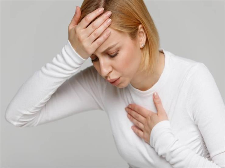 8 أعراض نوبة قلبية مبكرة عند النساء يجب الانتباه لها.. أبرزها التعرق