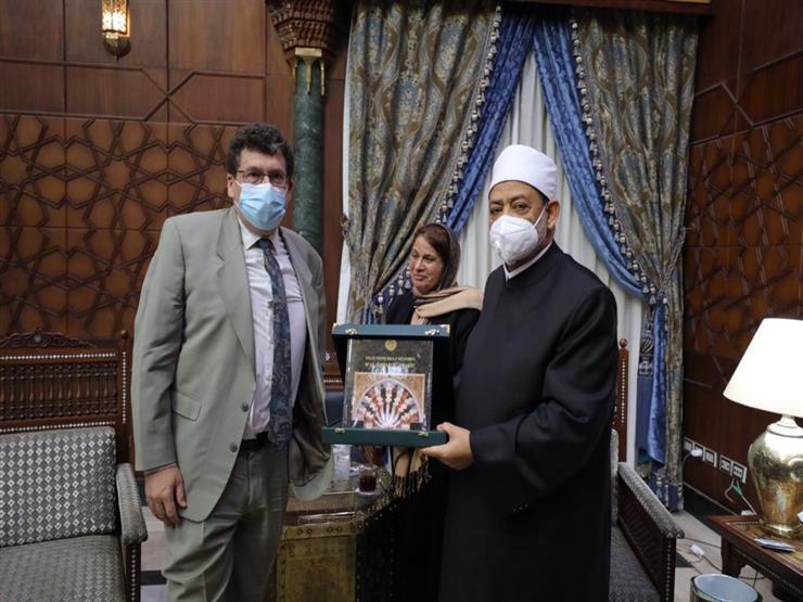 الإمام الأكبر لوفد فرنسي: الأزهر مؤتمنٌ على بيان الإسلام الحقيقي للناس