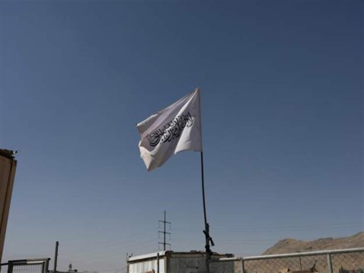 """باكستان عن رفع إمام متشدد علم طالبان فوق مدرسة دينية: """"عمل إرهابي"""""""