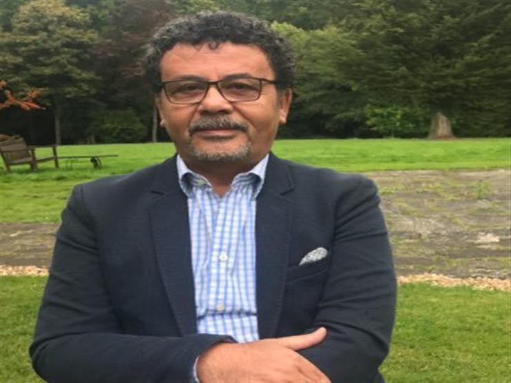 """عمرو عرفة ناعيا رجل الأعمال محمود العربي: """"أنجب ذرية يفتخر بها وتسير على دربه"""""""