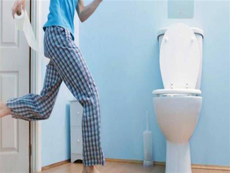 3 أخطاء شائعة يرتكبها الرجال عند التبول تسبب مشاكل صحية خطيرة