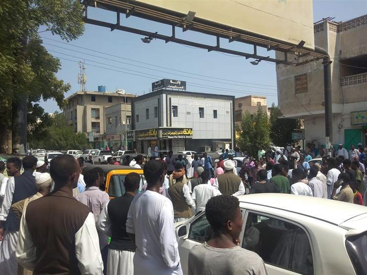 """احتجاجات في السودان ضد """"الانقلاب الفاشل"""": مدنية.. ندافع حتى الموت! (صور وفيديوهات)"""