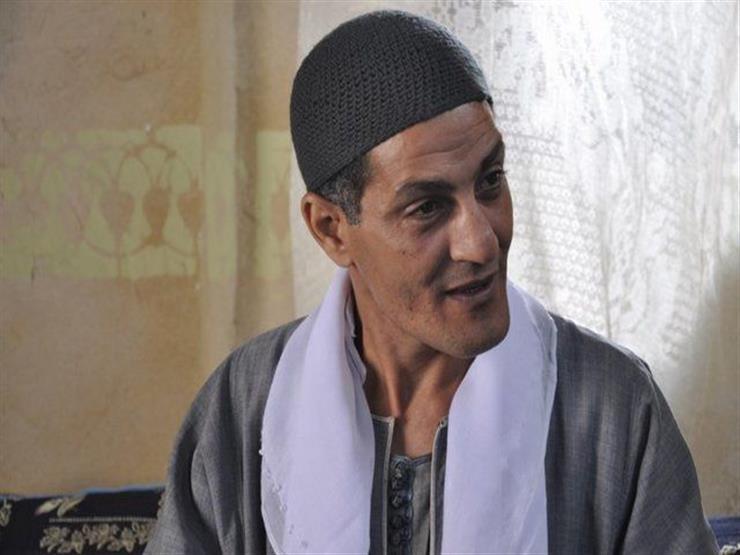 """صلى على نفسه """"صلاة الميت"""" قبل رحيله.. ياسين الضوي يعلن وفاة والده """"فيديو"""""""