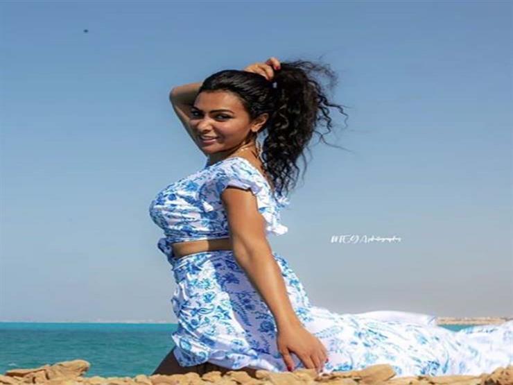 """ميرهان حسين على متن """"يخت"""" في البحر (صور)"""