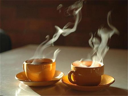دراسة: تناول المشروبات الساخنة مفيد لتبريد الجسم في الطقس الحار
