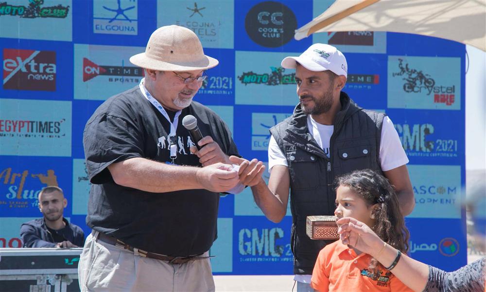 منظمو بطولة الجونة الدولية للموتوكروس يقسمون منافسات فئة ٤٥٠ سي سي لجولتين