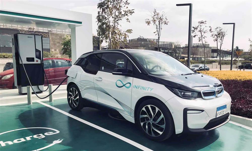 الحكومة توقف استيراد السيارات الكهربائية المستعملة التي تجاوز عمرها ٣ سنوات