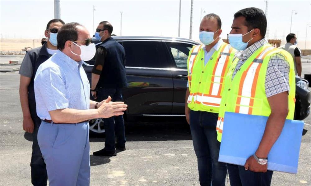 السيسي يزور مقر سوق السيارات الجديد (1)