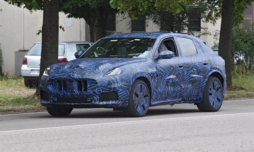 سيارة مازيراتي SUV جديدة تنكشف بصور تجسسية