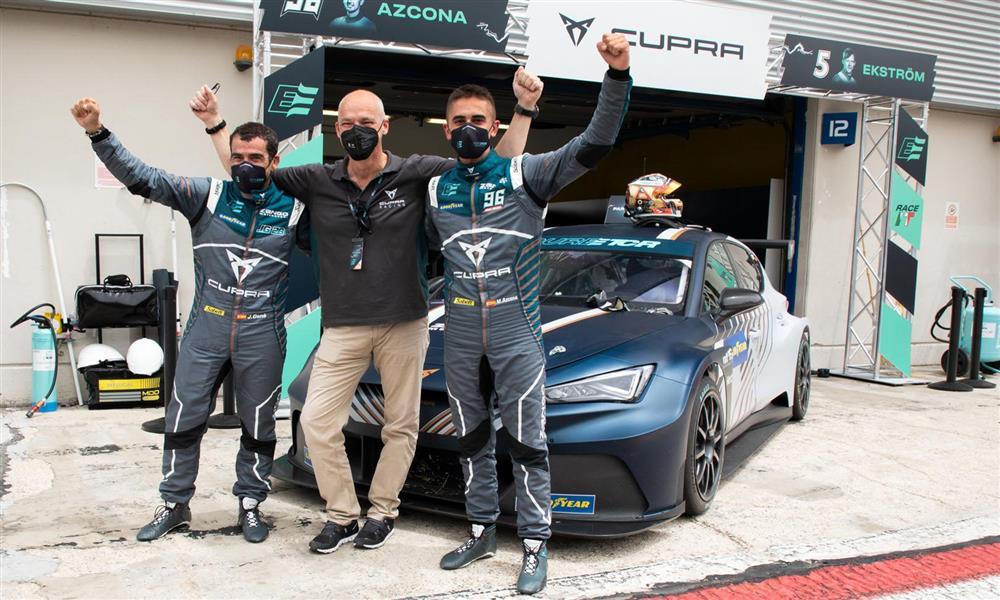 فوز كوبرا بأول سباق للسيارات الكهربائية السياحية