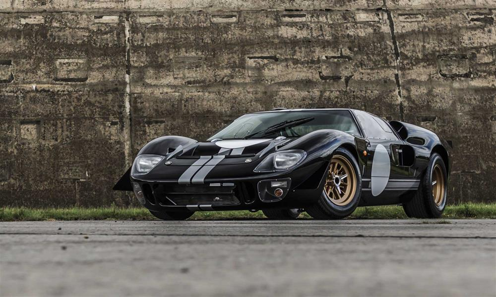 ford-gt40-electric-conversion-by-everrati_100799626_h