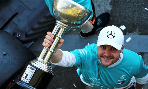 بوتاس سائق مرسيدس يفوز في اليابان