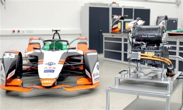 أودي e-tron المُشاركة بالفورمولا-e بجانب محركها MGU5