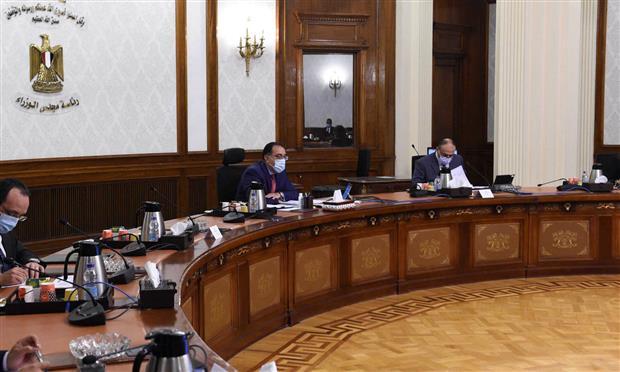 رئيس الوزراء يناقش مقترحات تحفيز تصدير السيارات المُصنعة محليًا