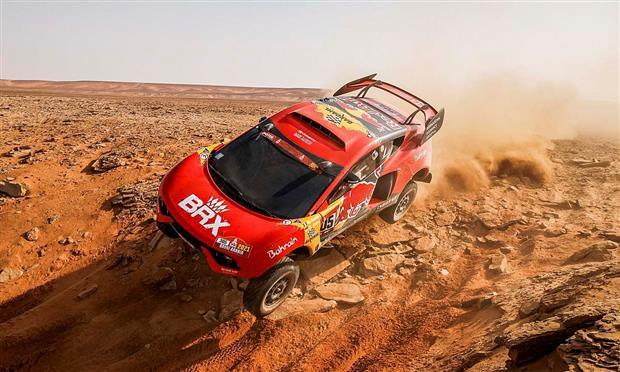 سيارة فريق البحرين رايد اكستريم بقيادة سيباستيان لوب في رالي داكار