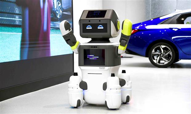 روبوت هيونداي DAL-e لخدمة العملاء