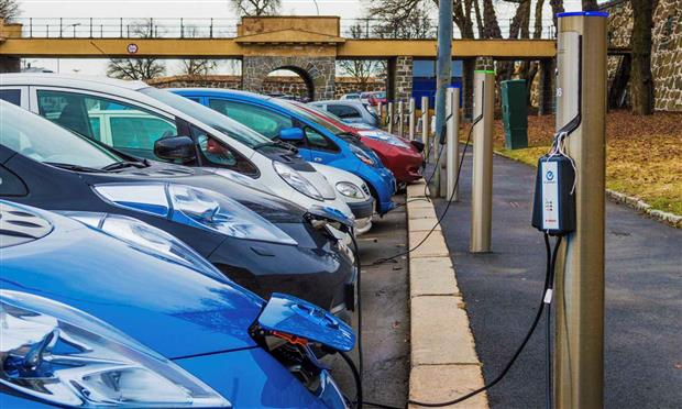 محطة شحن عامة للسيارات الكهربائية