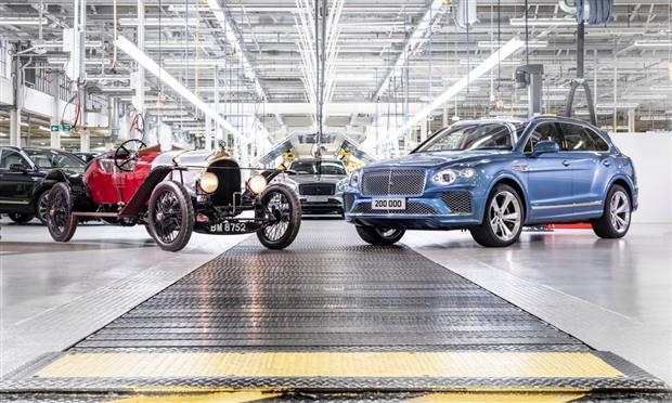 بنتلي تحتفل بإنتاج 200 ألف سيارة